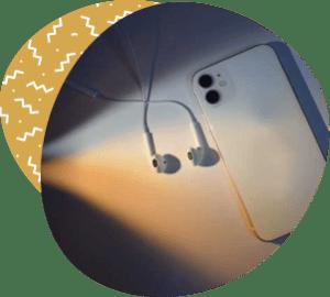 smartphone podcasts headphones